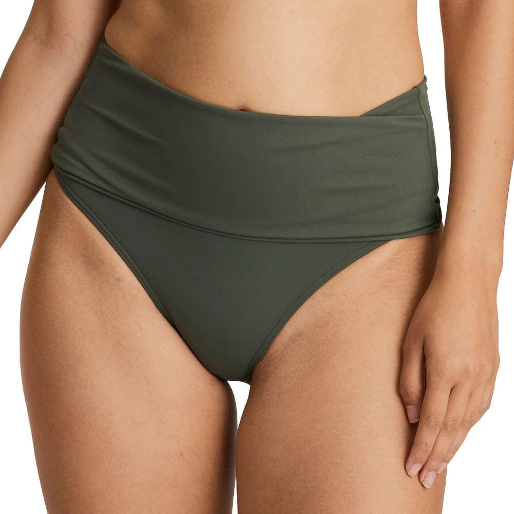 bikinitrosa som håller in magen